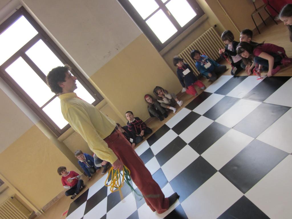 a scuola di scacchi